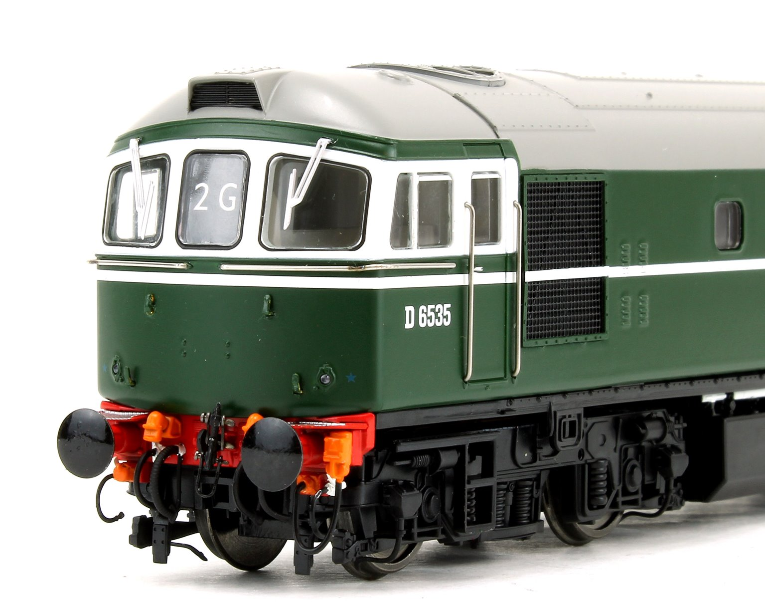 Class 33 D6535 BR Green Locomotive with 4x 1960s silver ESSO 'A' tank wagons
