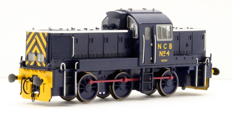 Class 14 'Teddy Bear' - National Coal Board No.4 in Ashington Blue Livery