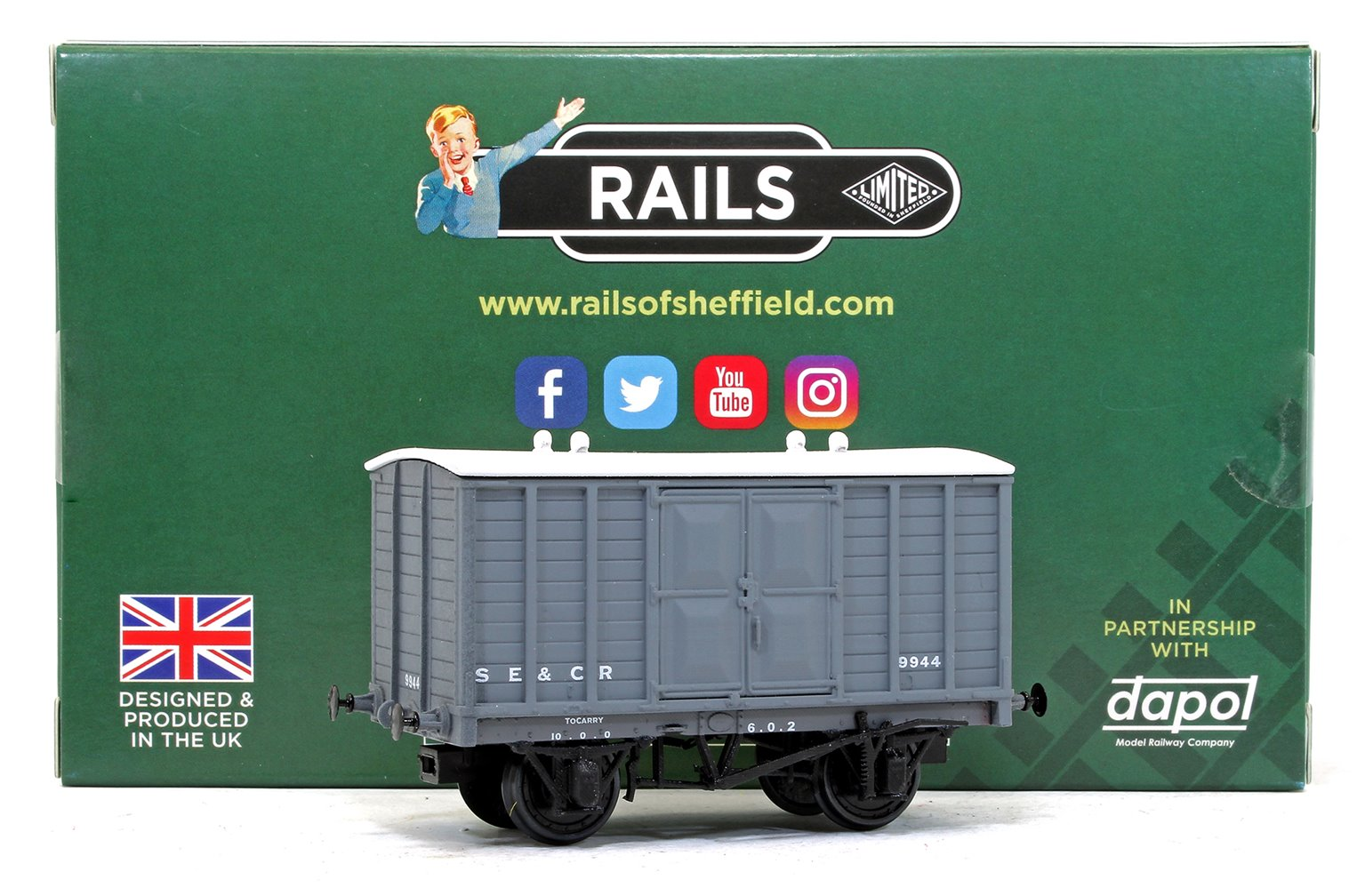 SE&CR 16' Covered Goods Wagon with Experimental Doors, Wainwright SE&CR Light Grey No.9944