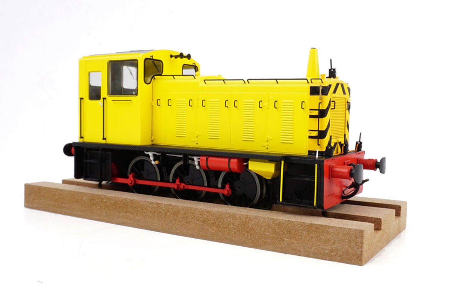 Class 03 (Un-numbered) Industrial Yellow Diesel Shunter (Conical Exhaust)