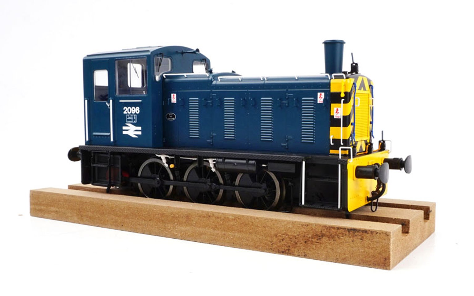 Class 03 - 2096 BR Blue with wasp stripes Diesel Shunter (Flowerpot Exhaust)