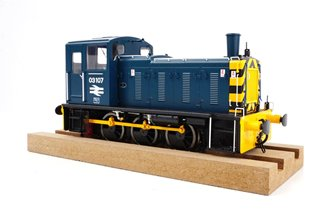 Class 03 107 BR Blue with wasp stripes Diesel Shunter (Flowerpot Exhaust)