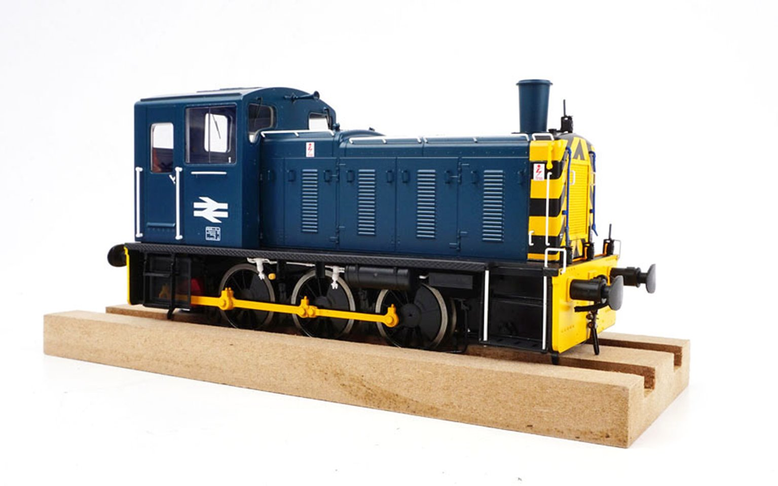 Class 03 (Unnumbered) BR Blue with wasp stripes Diesel Shunter (Flowerpot Exhaust)
