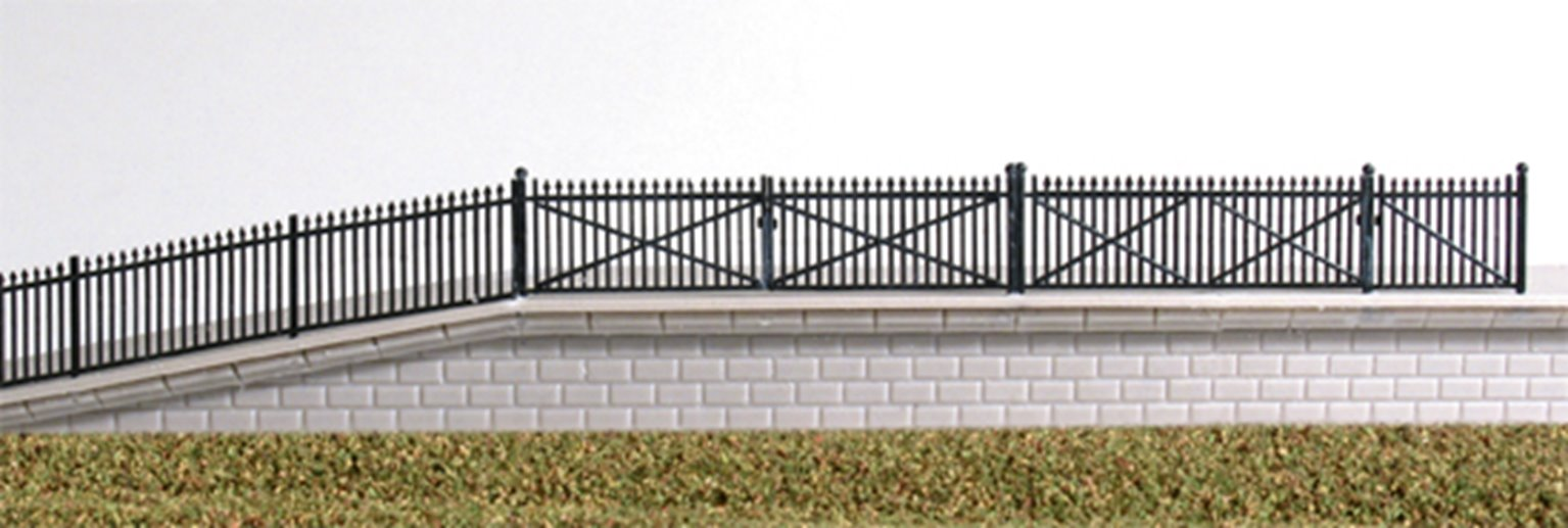 GWR Spear Fencing, black , ramps & gates