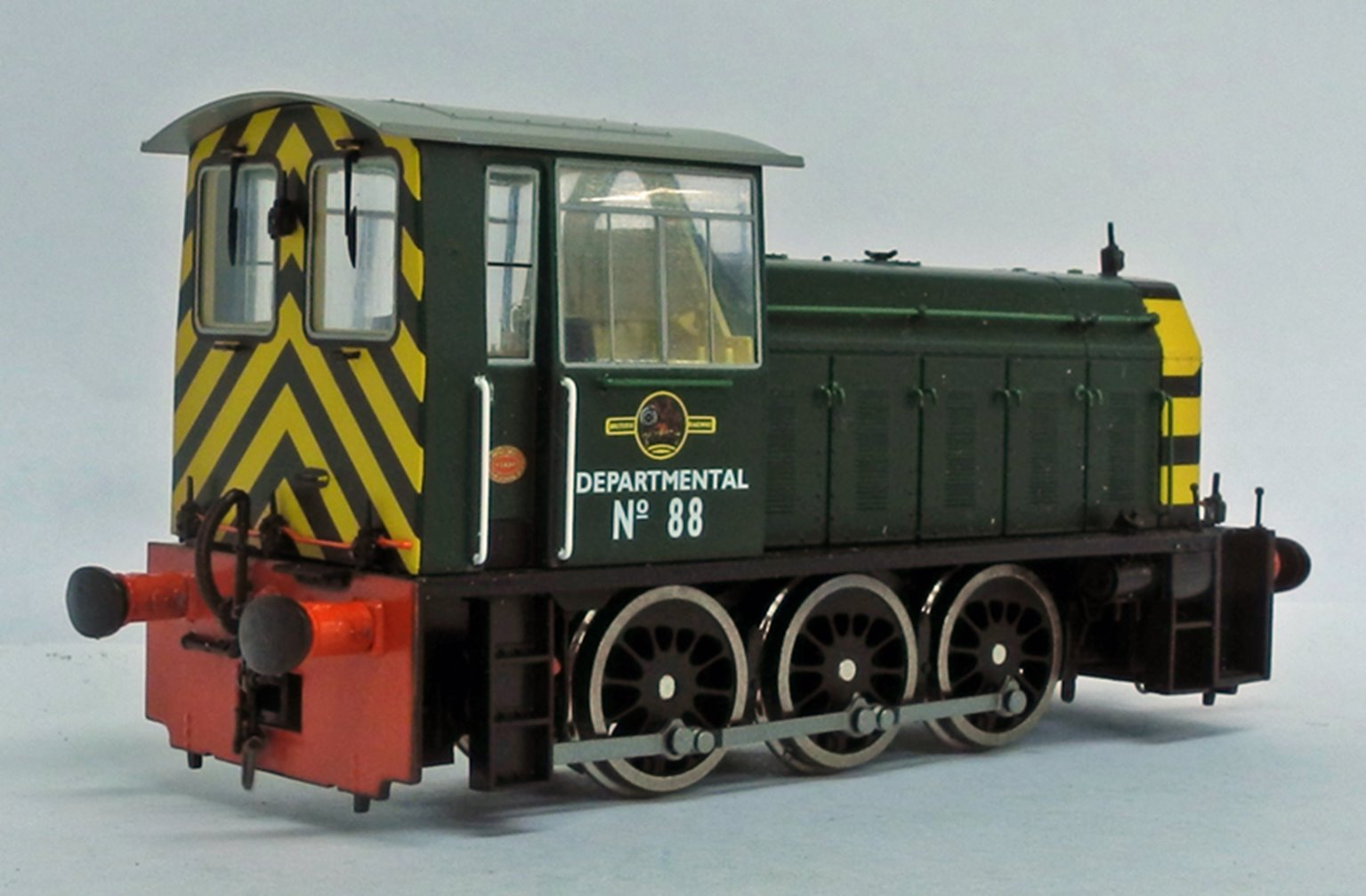 BR Hunslet Class 05 Diesel Shunter 'DEPARTMENTAL 88' BR Green with Wasp Stripes - Type B