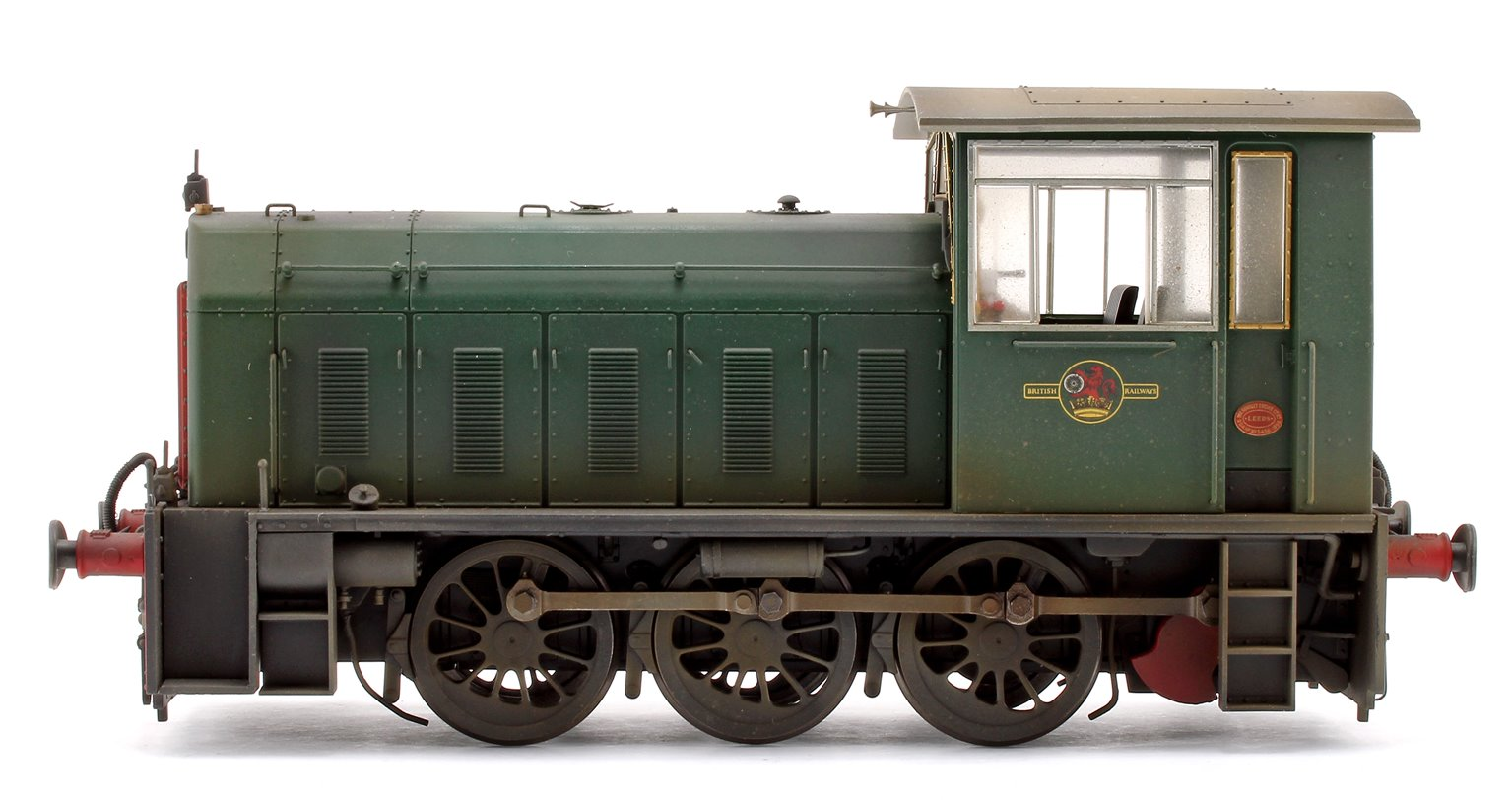 Custom Weathered Hunslet Class 05 BR Green (no wasp stripes) Shunter Locomotive