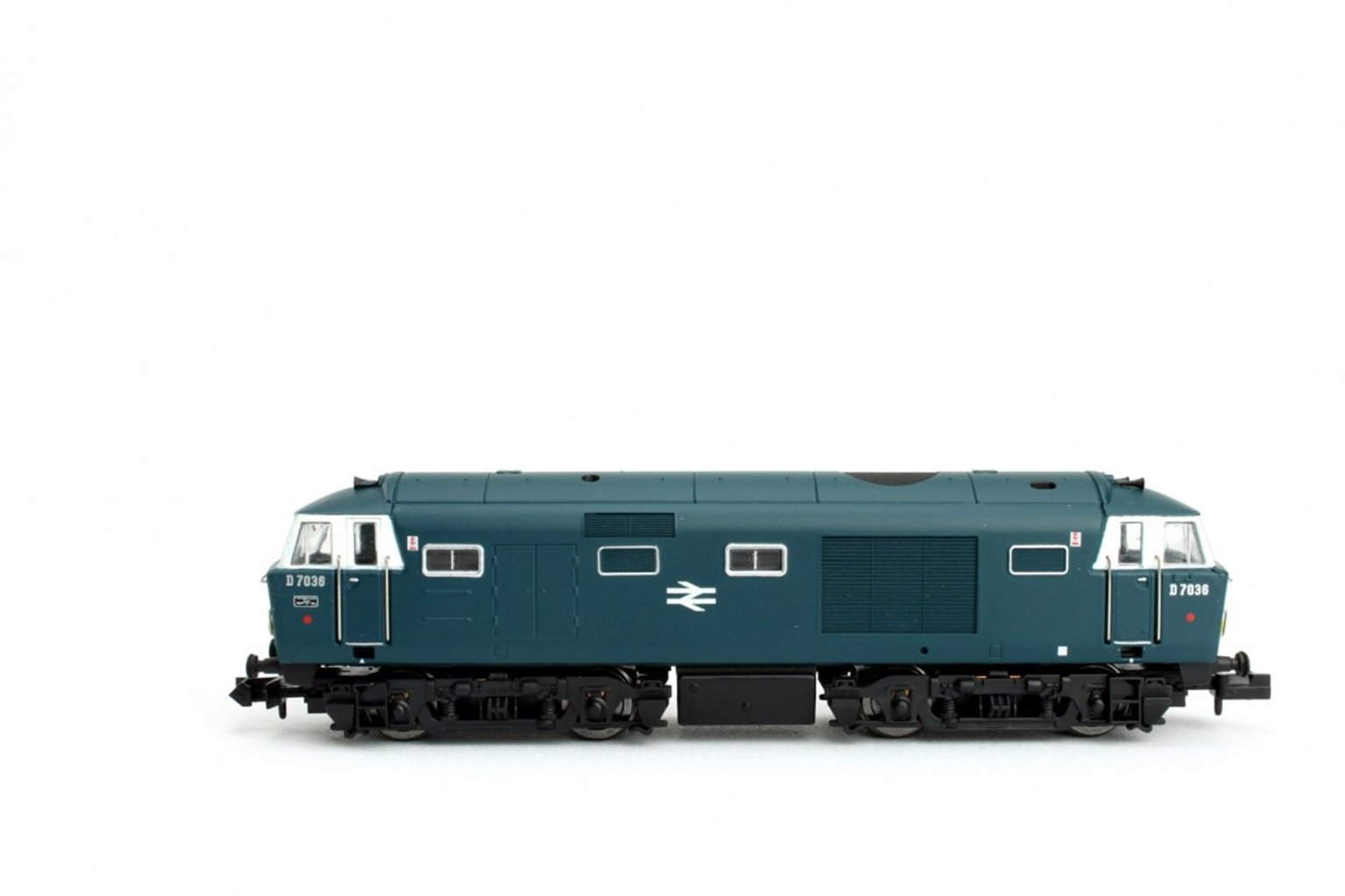 Hymek D7036 BR Blue SYP Double Arrow Logo - DCC Fitted