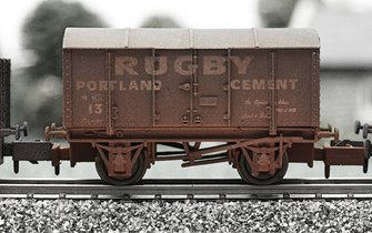 Dapol 2F-013-012 Rugby Cement Gunpowder Van - Weathered