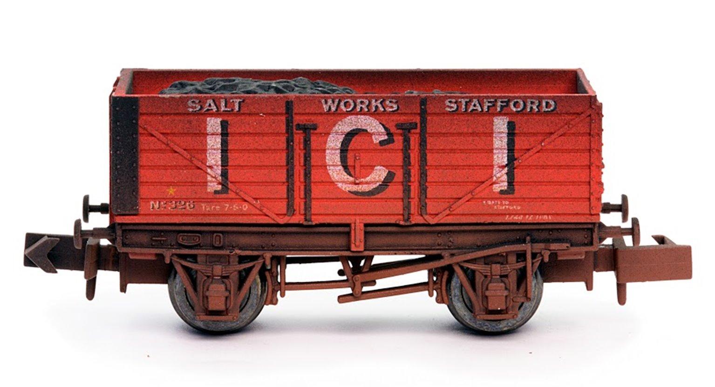 ICI 7 Plank Wagon - Weathered