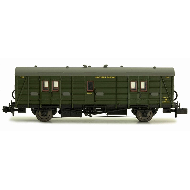 Maunsell Coach SR Brake Van Lined Green 700