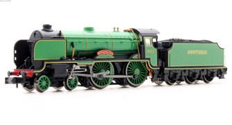Schools Class 'Wellington' #902 SR Pre-war Malachite Lined Green - DCC Fitted
