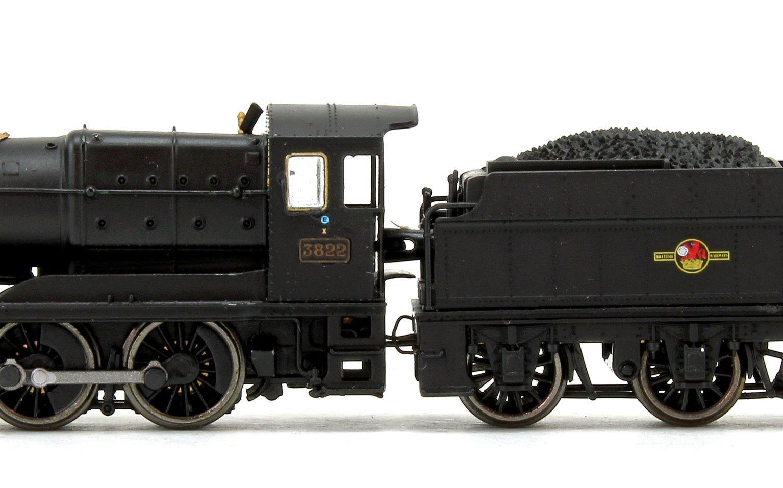 Class 38xx BR Black (Late Crest) 2-8-0 Steam Locomotive No.3822