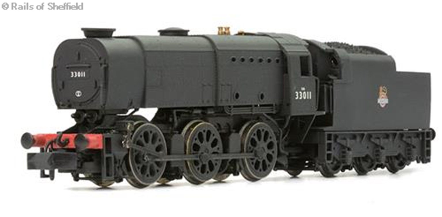 Class Q1 0-6-0 33016 in BR black with early emblem