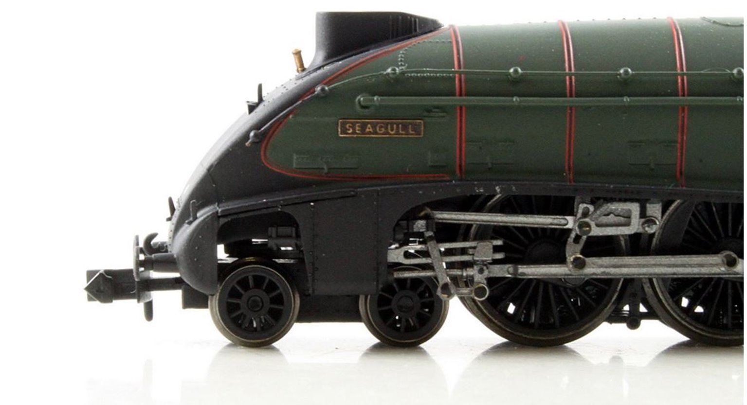 "Class A4 steam locomotive 60027 ""Seagull"" in BR green with early crest & double chimney. DCC fitted"