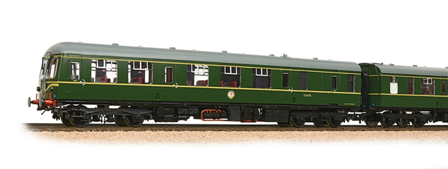 Class 105 2 Car DMU BR Green With Speed Whiskers with Passenger Figures *2017 Range*