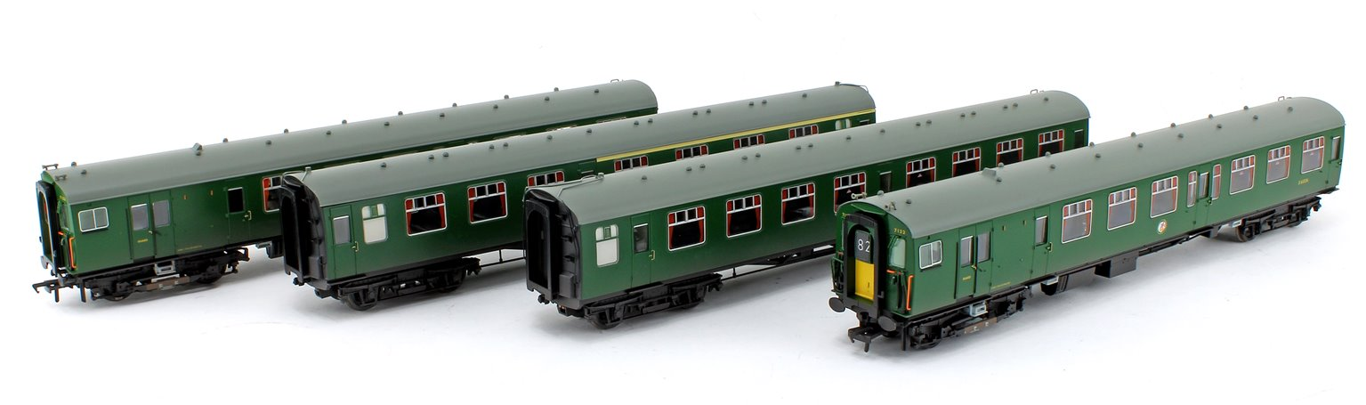 Class 411 4-CEP 4-Car EMU 7122 BR (SR) Green (Small Yellow Panels) - Weathered