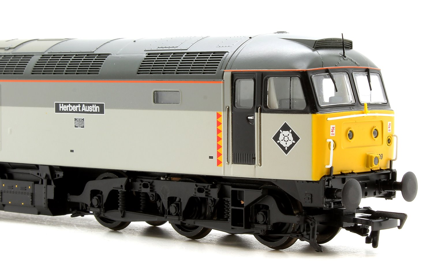 "Class 47/0 47209 ""Herbert Austin"" BR Railfreight Distribution Locomotive"