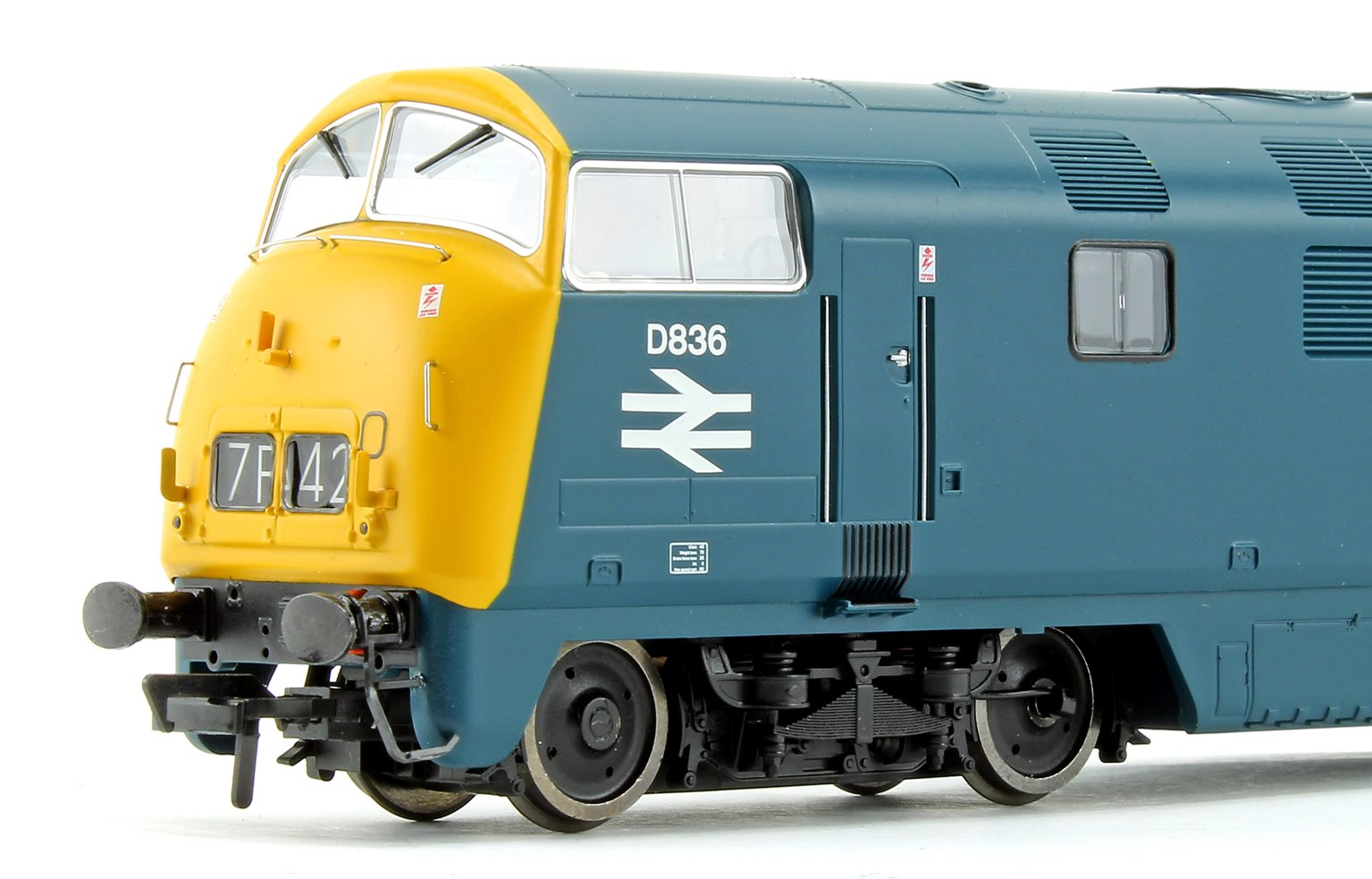 Class 43 Warship 'Powerful' BR Blue Diesel Locomotive D836