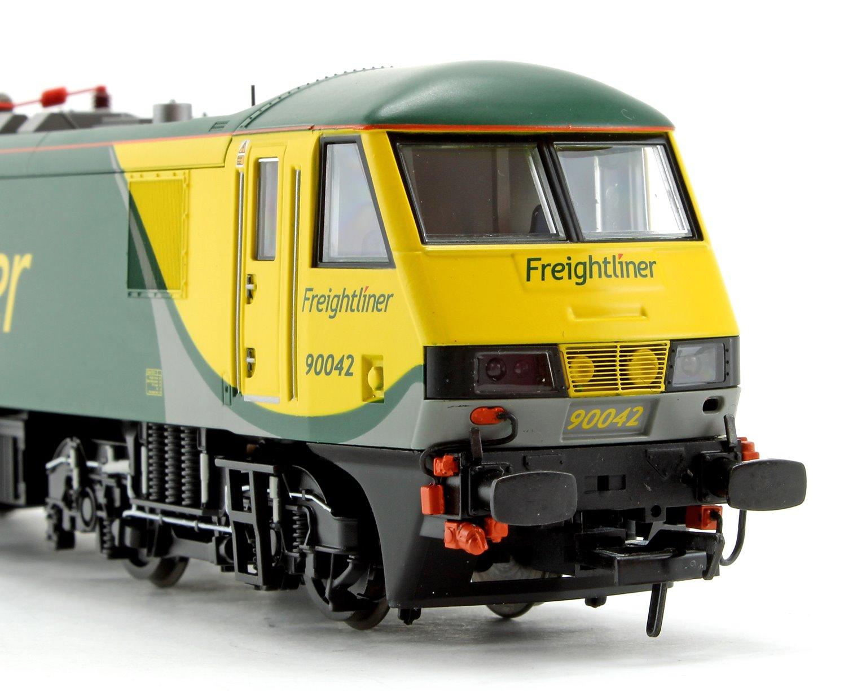 Class 90 90042 Freightliner 'Powerhaul' Electric Locomotive