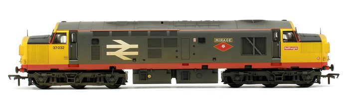 Class 37/0 37032 'Mirage' BR Railfreight Red Stripe - Weathered