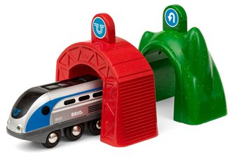 BRIO World - Smart Tech Railway - Engine with Action Tunnels