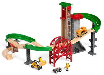 BRIO World - Lift & Load Warehouse Set