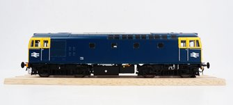 BRCW Type / Class 33 Bo-Bo Diesel (Version 2) BR Blue with full yellow ends