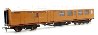 Thompson 3rd Class Brake Corridor LNER Teak E1914
