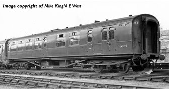"""Bulleid Semi-Open Brake Third (10"""" Vents) in BR (SR) Green(Price is estimated - we will notify you if price rises and offer option to cancel)"""