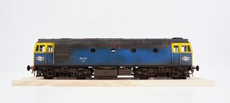 BRCW Type / Class 33 Bo-Bo Diesel (Version 3) BR Blue 33012 faded and weathered
