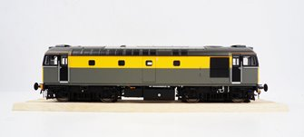 BRCW Type / Class 33 Bo-Bo Diesel (Version 3) BR Civil Engineers 'Dutch' grey/yellow