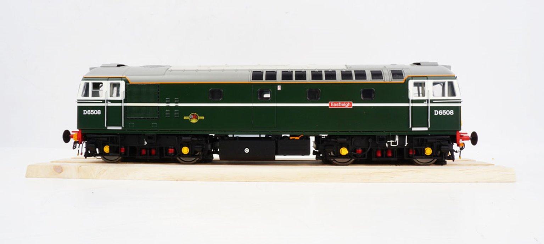 Class 33 BR retro green SYP 33008 Eastleigh.