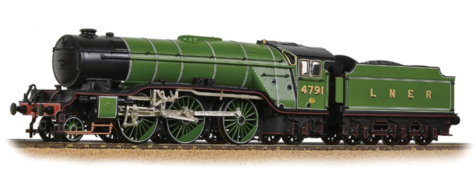 Class V2 No. 4791 in LNER Apple Lined Green livery Locomotive