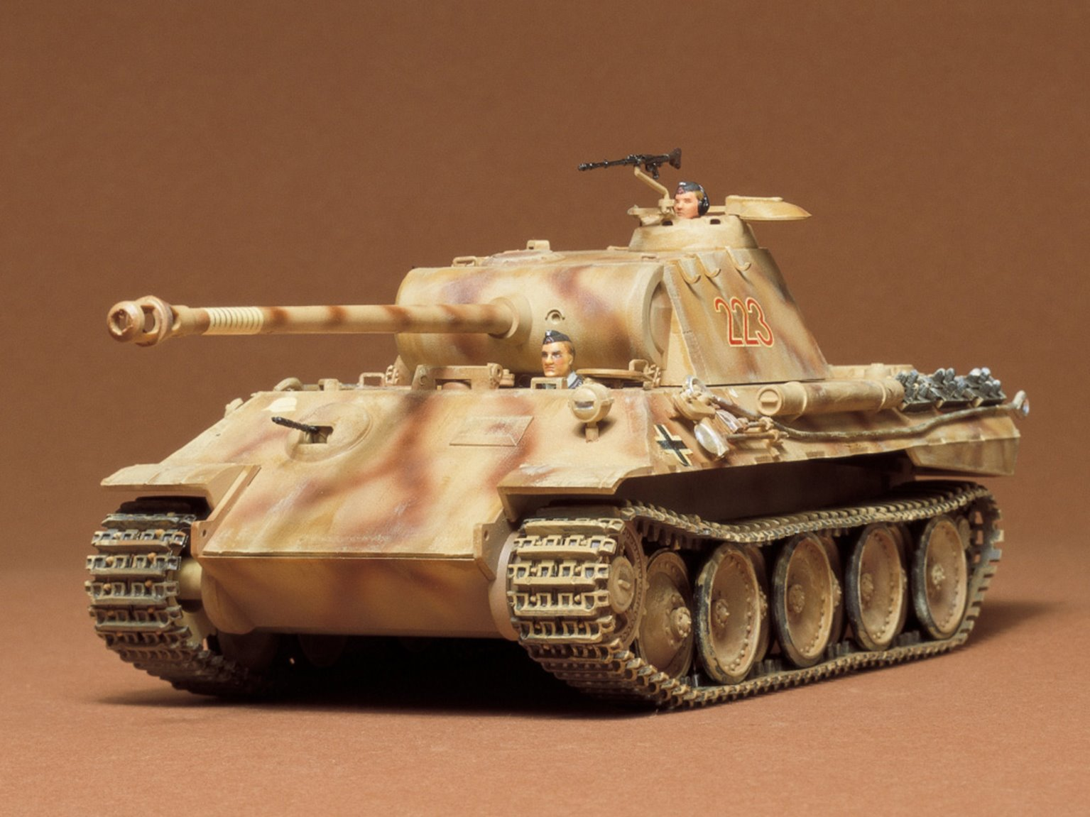 1:35 Military Miniature Series German Panther Medium Tank