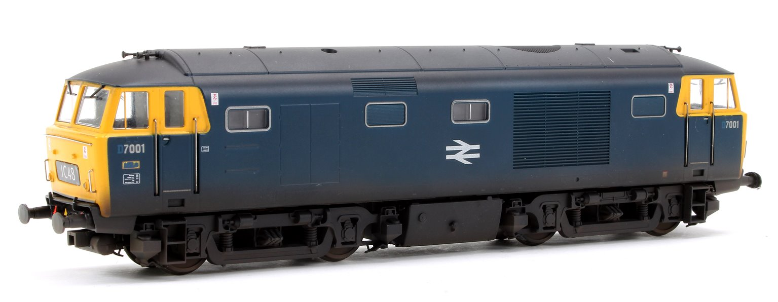 Class 35 Hymek BR Standard Blue (All yellow ends) 7001 Locomotive
