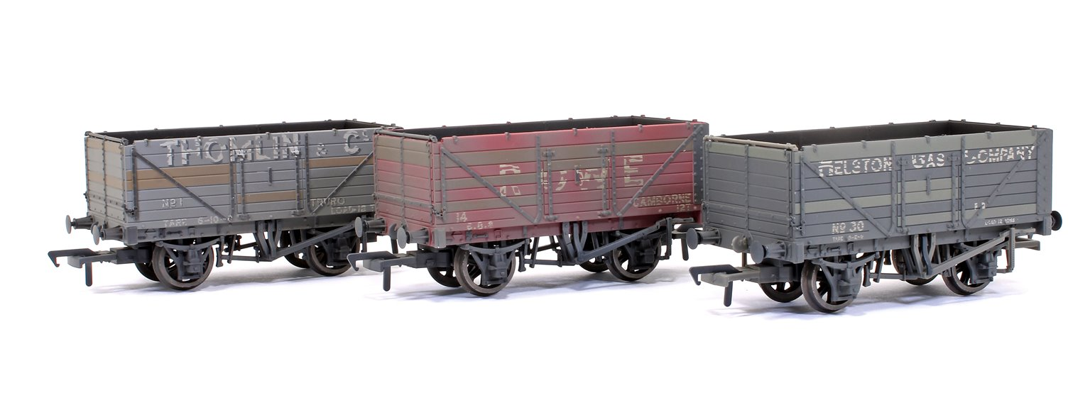 Triple Pack 'Cornish Coal Traders' Plank Wagons Weathered