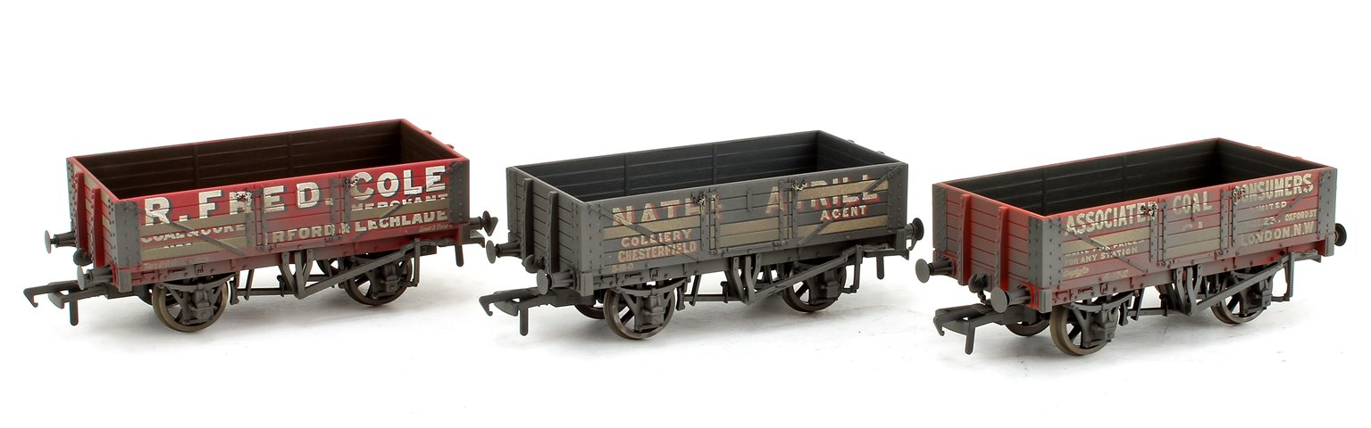 Coal Trader 5 Plank Wagons Triple Pack (Weathered Edition)