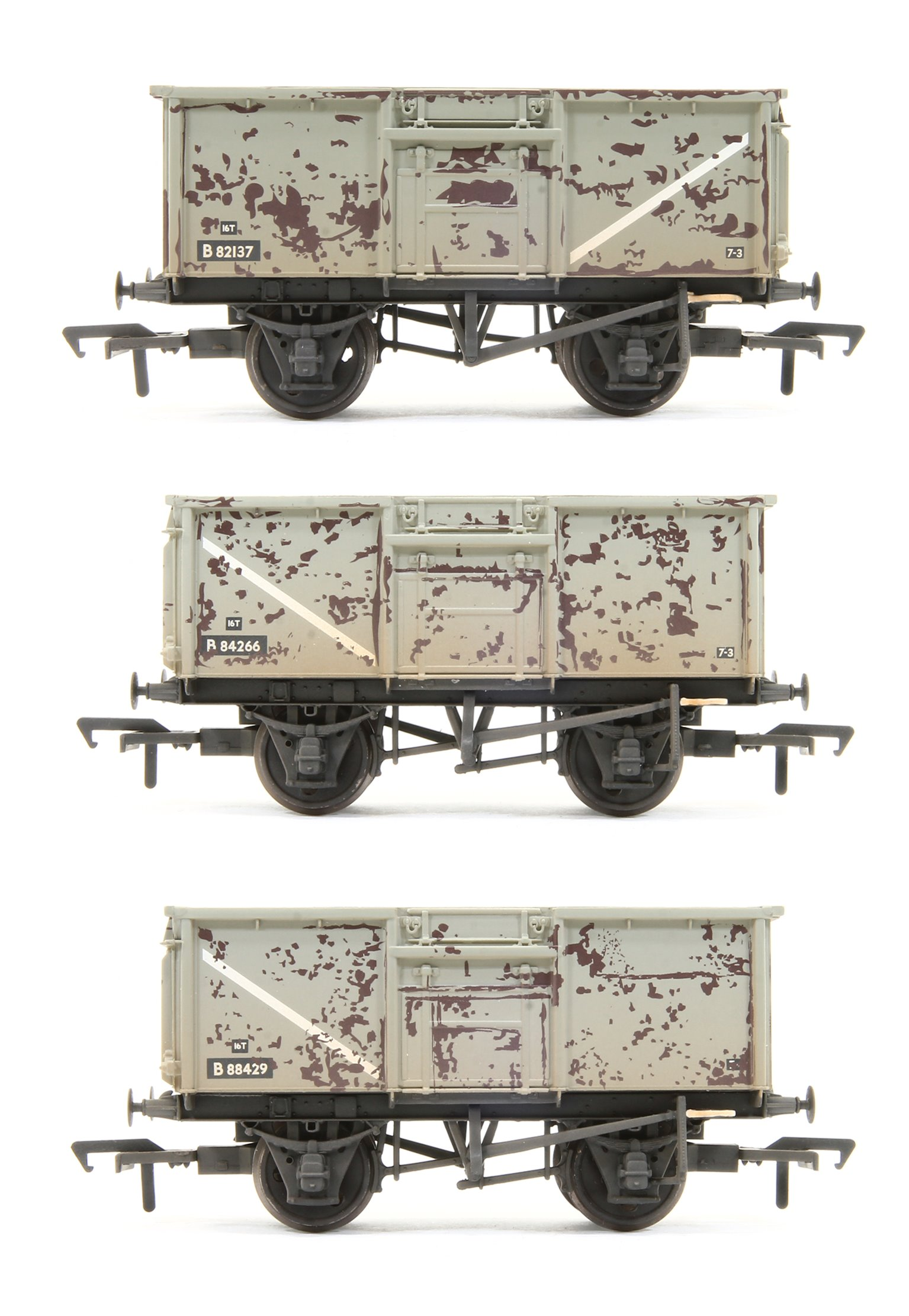 Triple Pack 16 Ton Steel Mineral Wagon BR Grey with Loads Weathered
