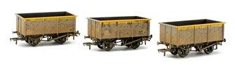 Set of three 27T Steel Tippler ZKV Wagons BR Grey & Yellow (Weathered)