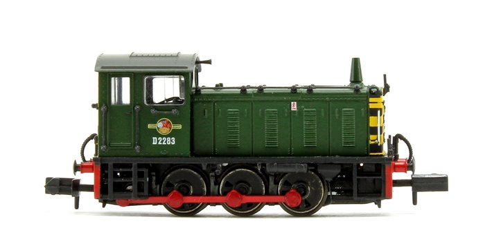 Class 04 D2283 BR Green Warning Stripes Diesel Shunter