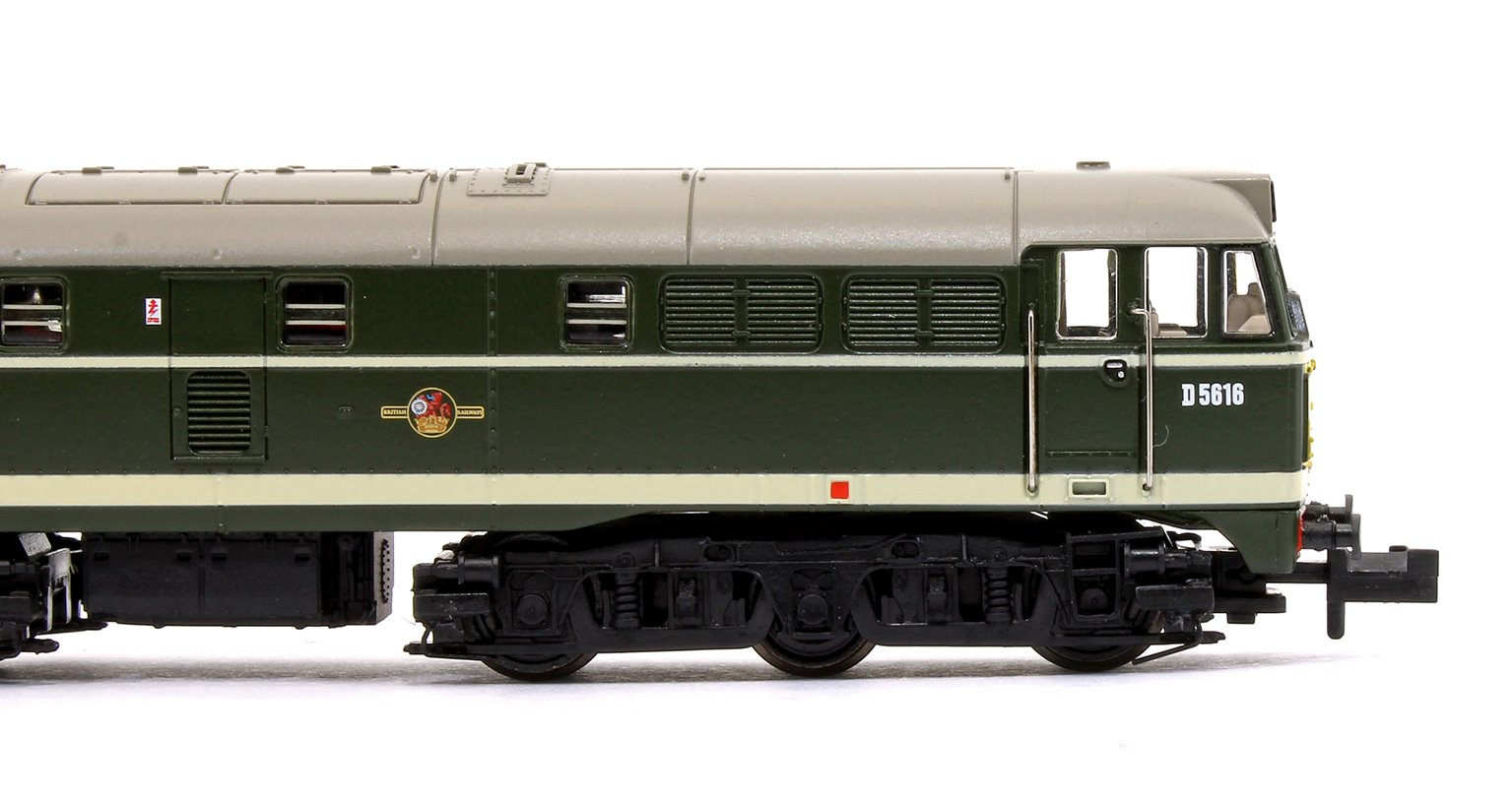 Class 31 No. D5616 in BR Green livery with Small Yellow Panels