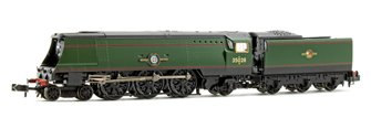 'Clan Line' BR Green Late Crest Merchant Navy Class 4-6-2 Steam Locomotive No.35028