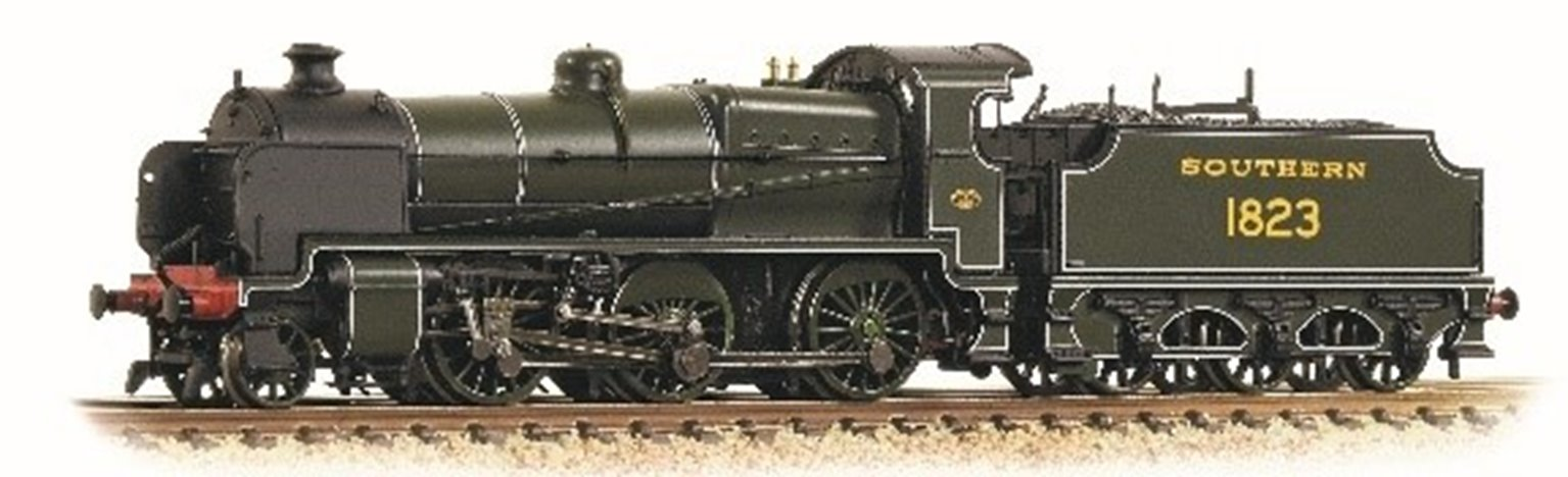 N Class No.1823 in Southern Railway lined Maunsell Green (DCC Sound)