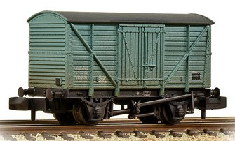 BR 10T Insulated Van BR Ice Blue Weathered