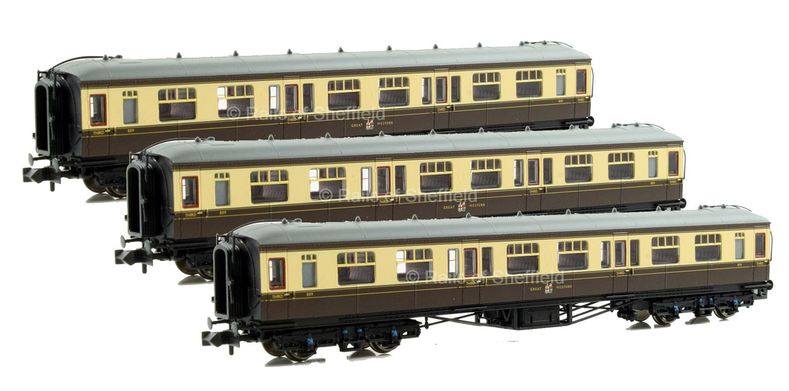 Set of 3 Hawksworth 3rd Class Corridor GWR Coaches