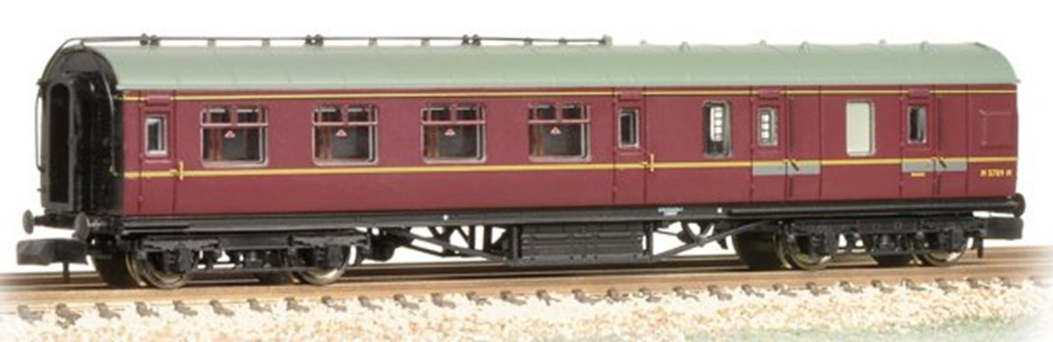 Stanier Brake Second BR Maroon Coach