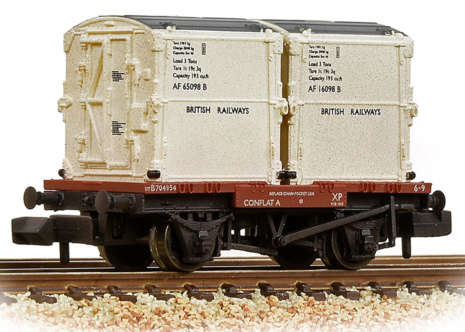 Conflat Wagon BR Bauxite (Early) With 2 BR White AF Containers Weathered with Wagon Load