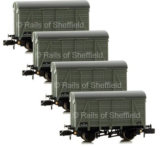 Set of 4 12 Ton Southern 2+2 Planked Ventilated Vans