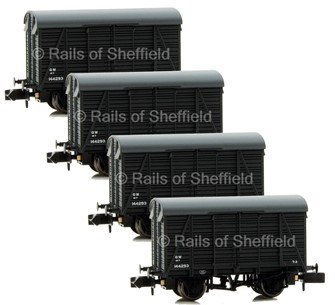 Set of 4 1 Ton Southern 2+2 Planked Ventilated Vans GWR Grey