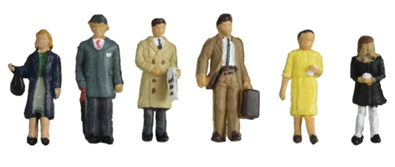 Figures 1960/70s Standing Station Passengers
